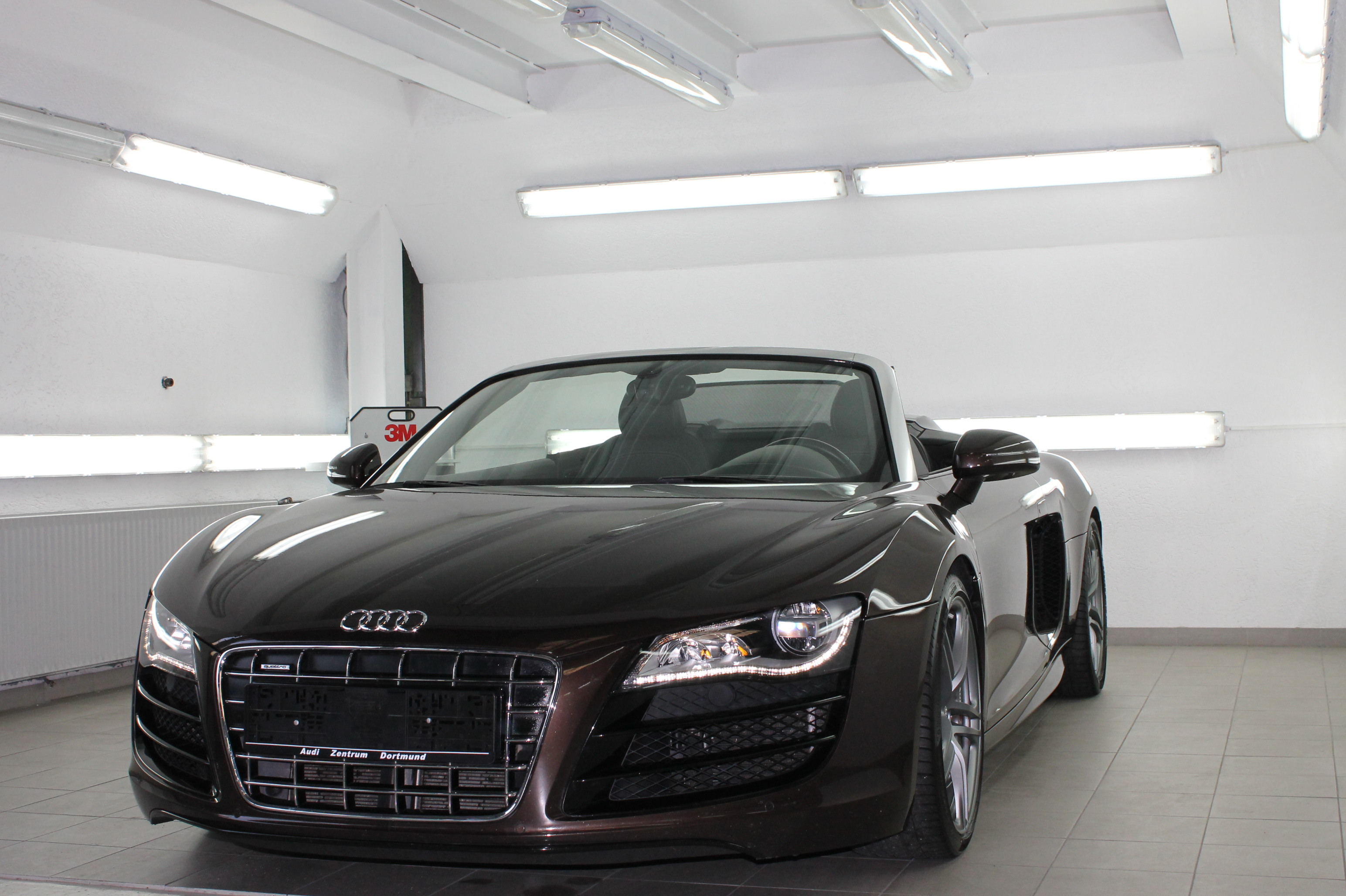 audi r8 spyder mieten in stuttgart winnenden esslingen. Black Bedroom Furniture Sets. Home Design Ideas